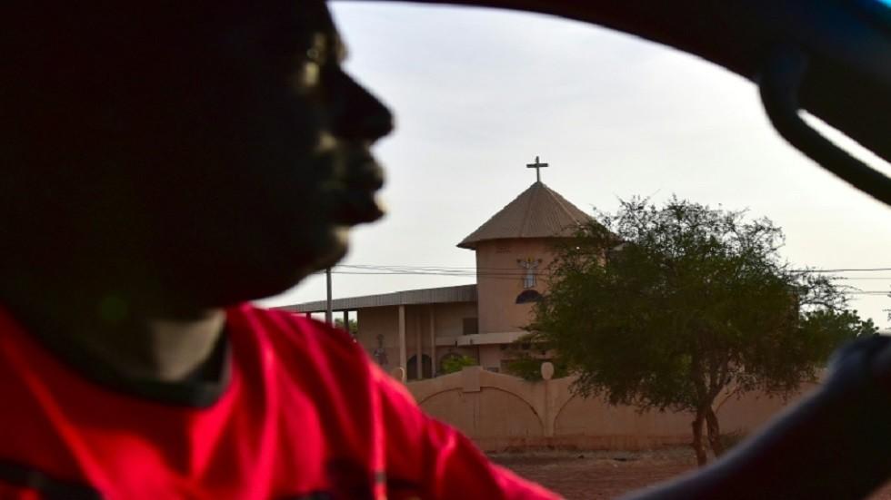 5 قتلى بينهم قس بهجوم على كنيسة في بوركينا فاسو