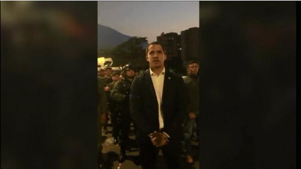 غوايدو غادر القاعدة العسكرية الجوية في كاراكاس