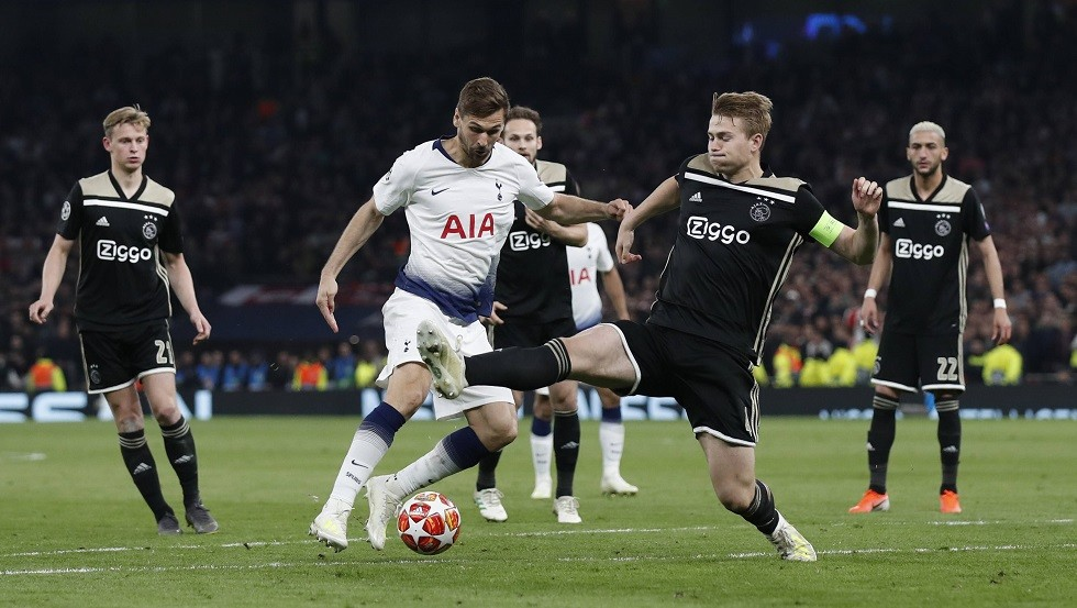 Ajax Amsterdam continues its series of surprises in the Champions League
