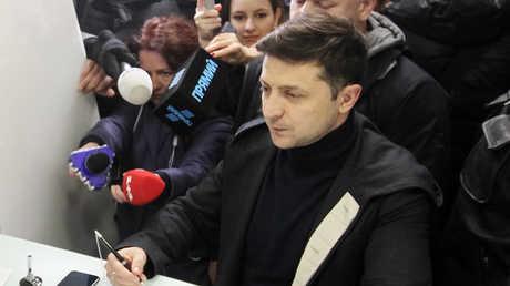المرشح الأوفر حظا في الانتخابات الرئاسية في أوكرانيا، فلاديمير زيلينسكي