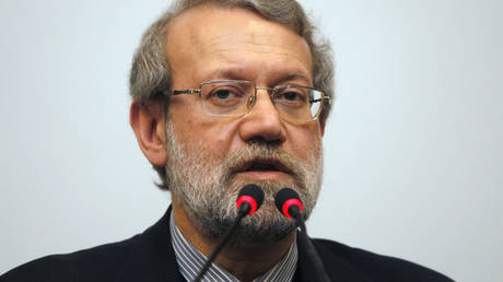 Larijani: Amend the election law is not aimed at abolishing the Sunnis