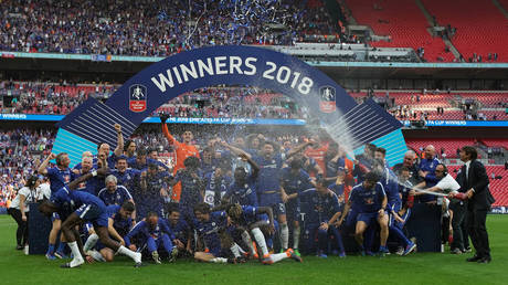 For the first time .. Champagne without alcohol for the champions of the Cup of England