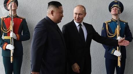 بوتين لكيم: لقاؤنا يخدم تطور علاقات بلدينا وحلحلة الوضع بشبه الجزيرة الكورية