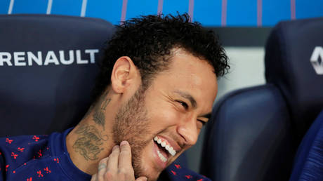Neymar reveals new secrets about his departure from Barcelona