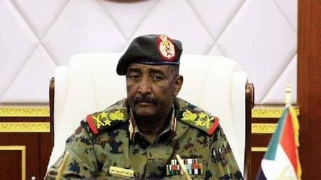 The Sudanese Transitional Council suspends the activities of trade unions, professional associations and the General Federation of Employers