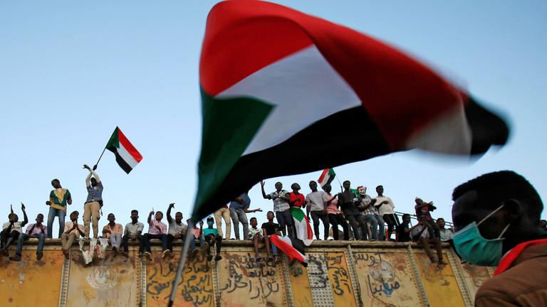 قوى التغيير السودانية ترد على المجلس العسكري وترفض تشكيكه في سلمية الاحتجاجات