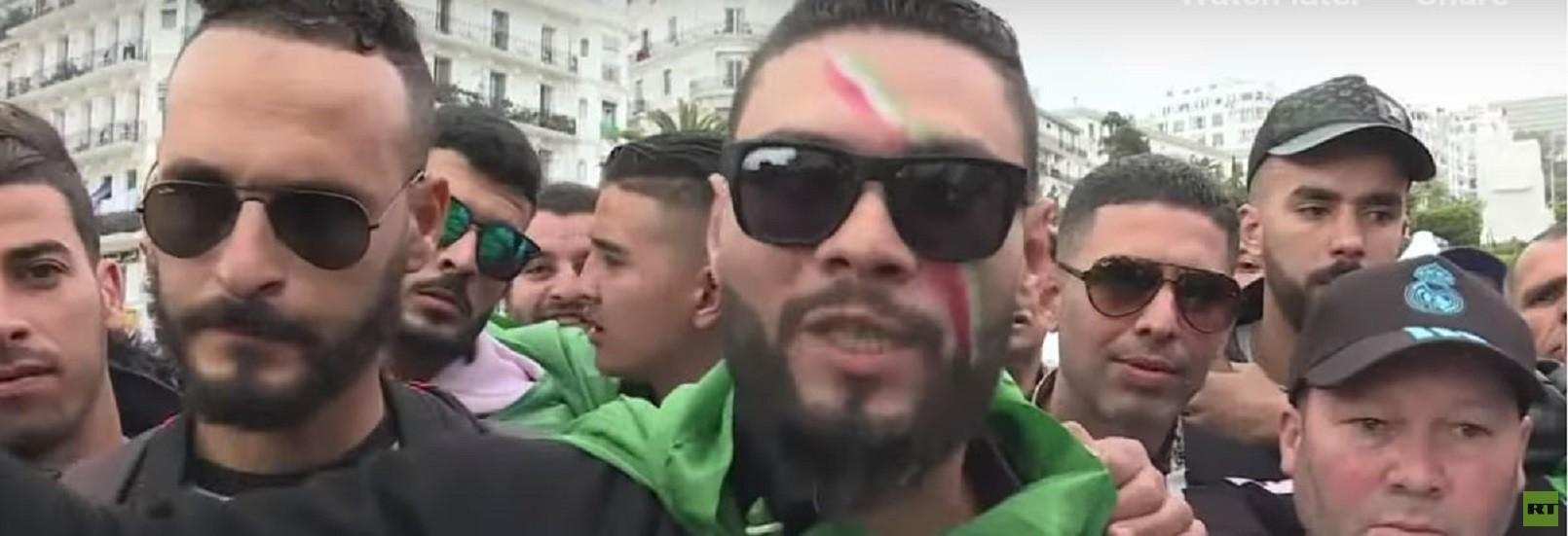 الشرطة الجزائرية تستخدم الغاز المسيل للدموع ضد مسيرة عمالية