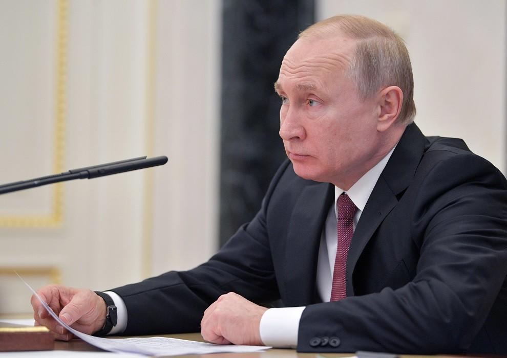بوتين يسهّل الحصول على الجنسية الروسية لفئات من مواطني 3 دول عربية