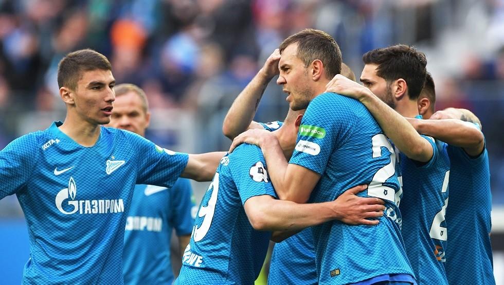 أرسنال يهدي زينيت بطرسبورغ لقب بطل الدوري الروسي مبكرا
