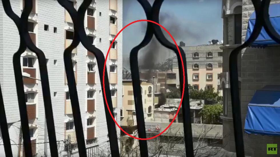 شاهد لحظة استهداف منزل عائلة مشتهى في حي الشجاعية شرق قطاع غزة