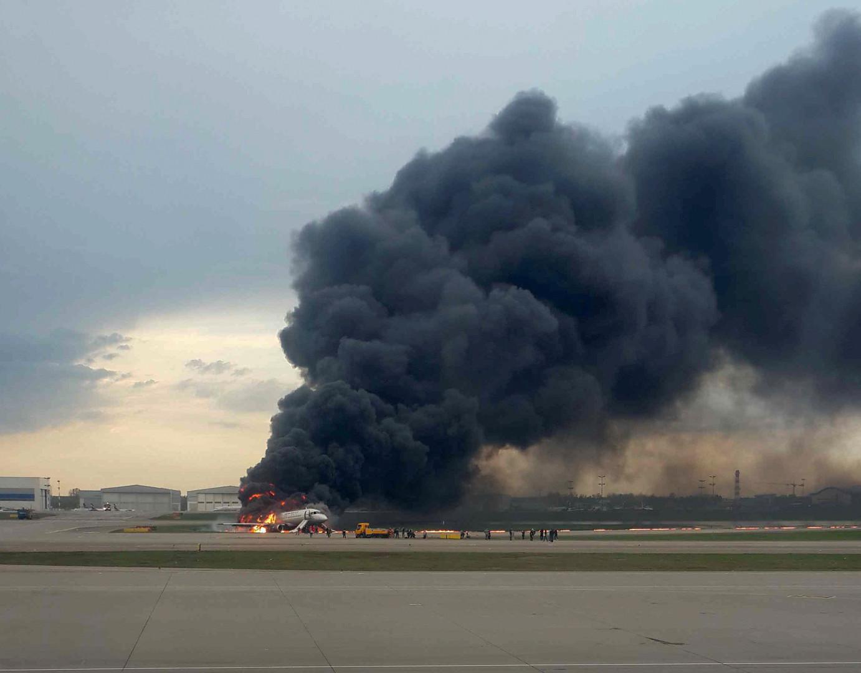 مقتل 41 شخصا بكارثة طائرة الركاب في موسكو
