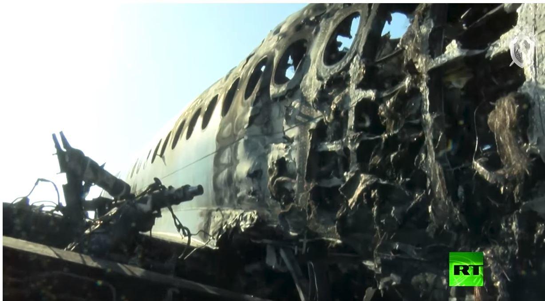 شاهد.. الطائرة المنكوبة في مطار شيريميتيفو بعد الكارثة