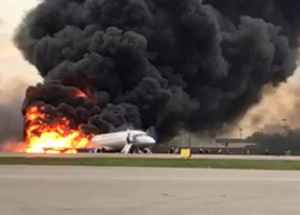 صحيفة روسية تطرح الفرضية الأقرب وراء كارثة طائرة