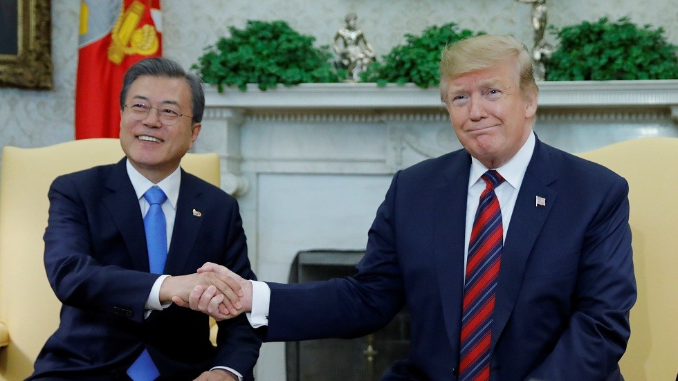 لقاء الرئيس الأمريكي دونالد ترامب مع نظيره الكوري الجنوبي مون جاي إن (صورة من الأرشيف)