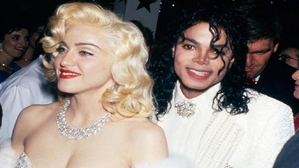 كيف دافعت ملكة البوب عن مايكل جاكسون؟