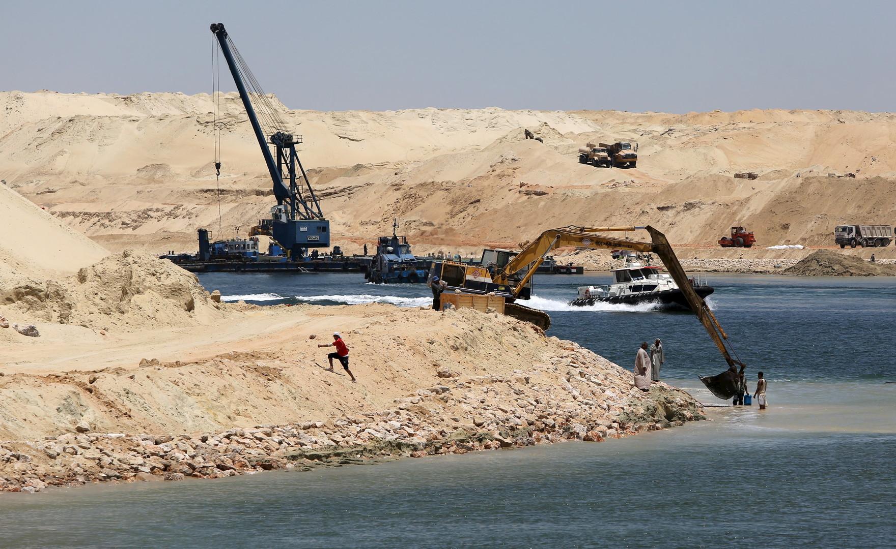 الرئيس المصري يصدر قرارا بالتنقيب عن البترول في خليج السويس