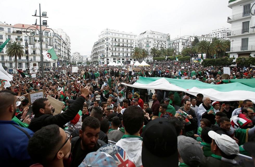 الجزائر.. خسائر بقيمة مليار دولار