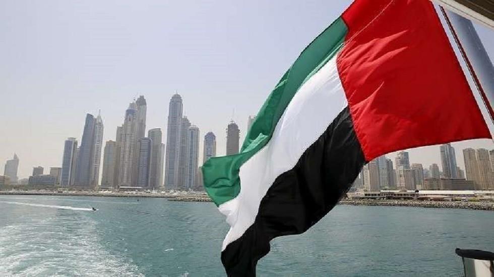 الإمارات: أحمد منصور غير مضرب عن الطعام ويتمتع بصحة جيدة