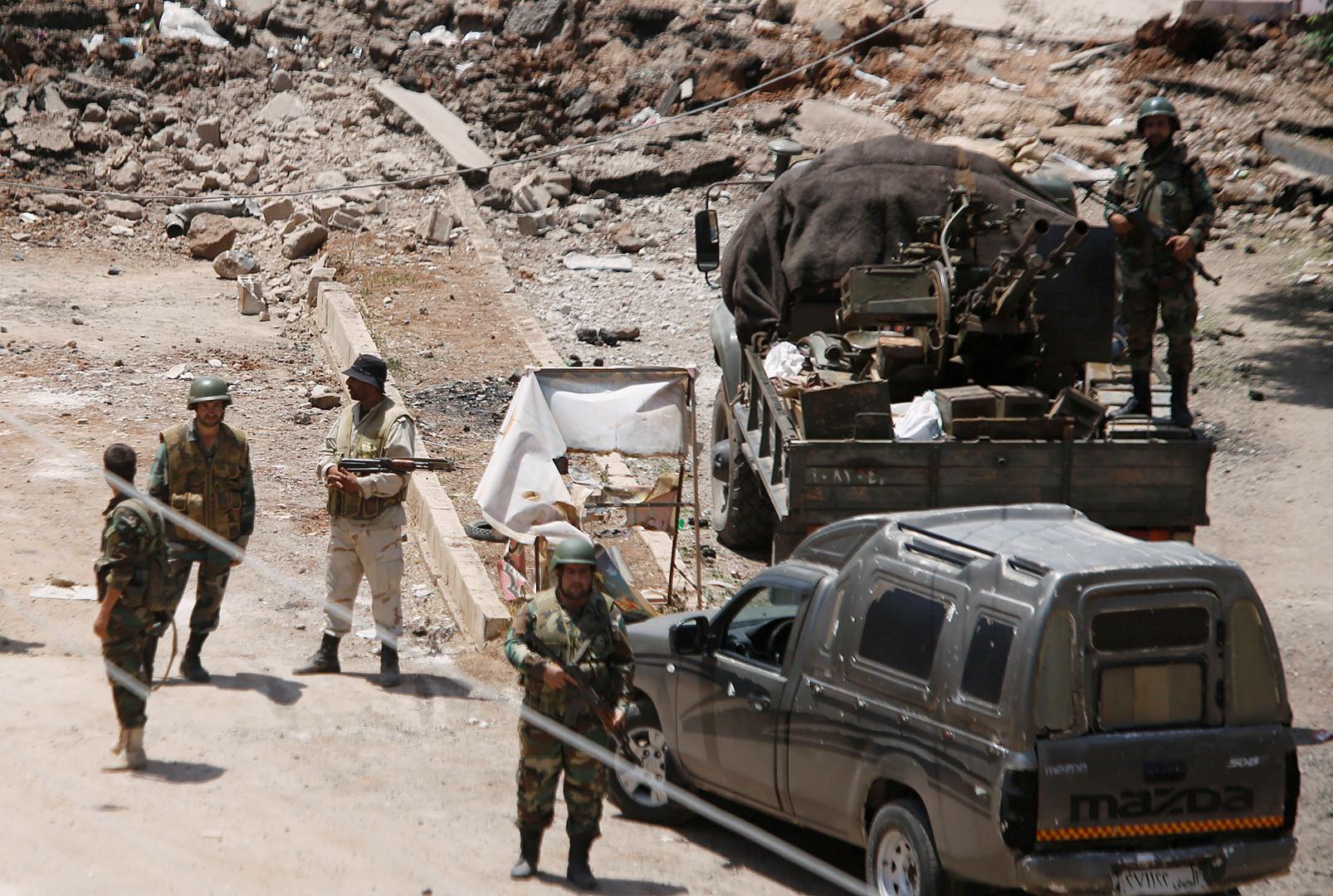 الجيش السوري يدمر مواقع لإرهابيي