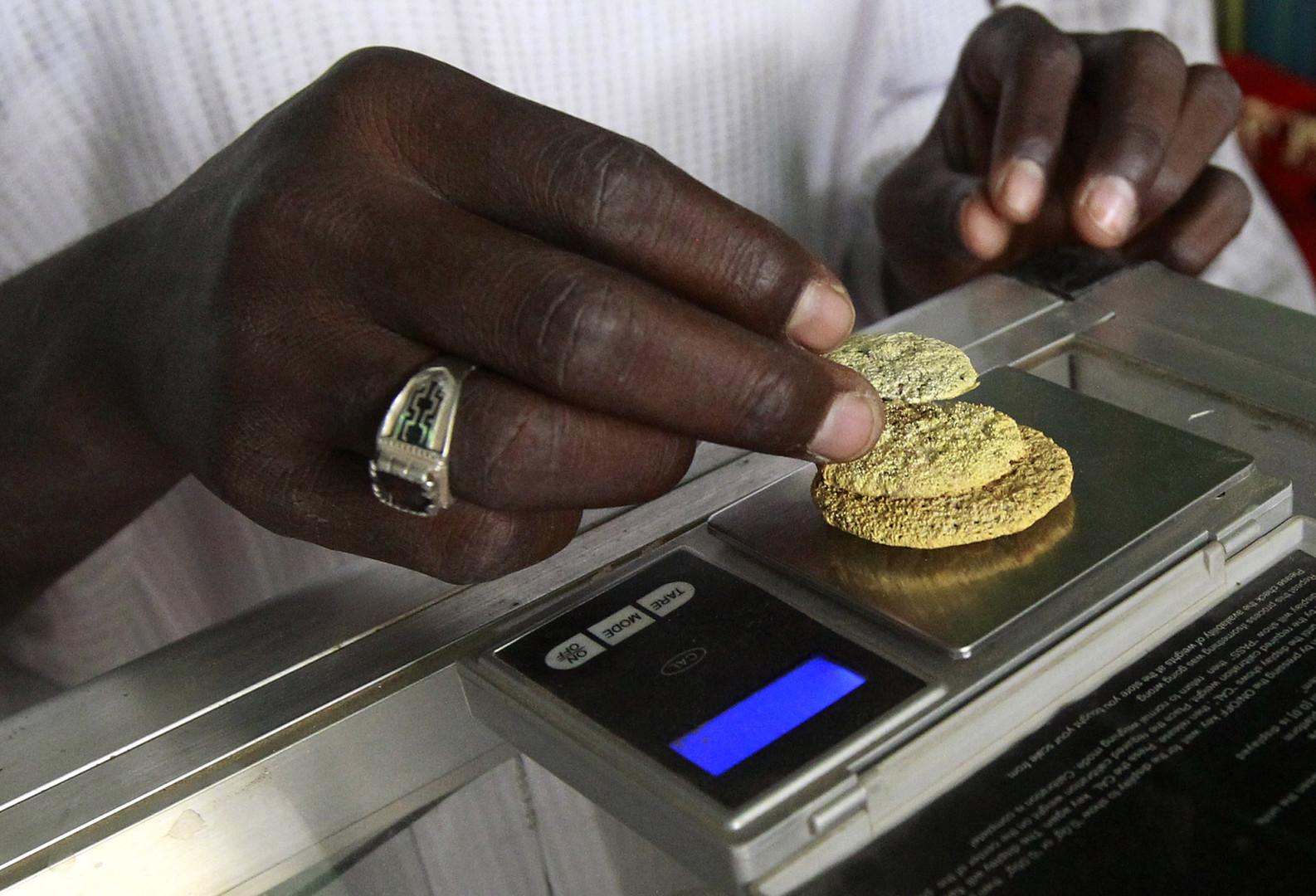 شركة عربية تهرّب كميات كبيرة من الذهب السوداني