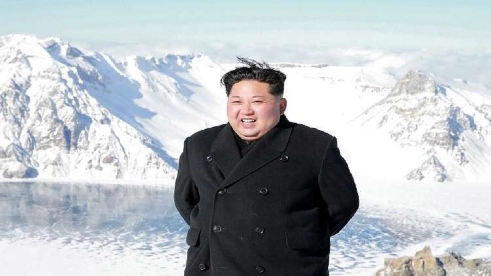 زعيم كوريا الشمالية يشرف بنفسه على مناورات جيشه الأخيرة