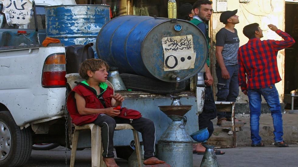 إيران ترسل شحنة نفطية إلى سوريا لتخفيف أزمة الوقود