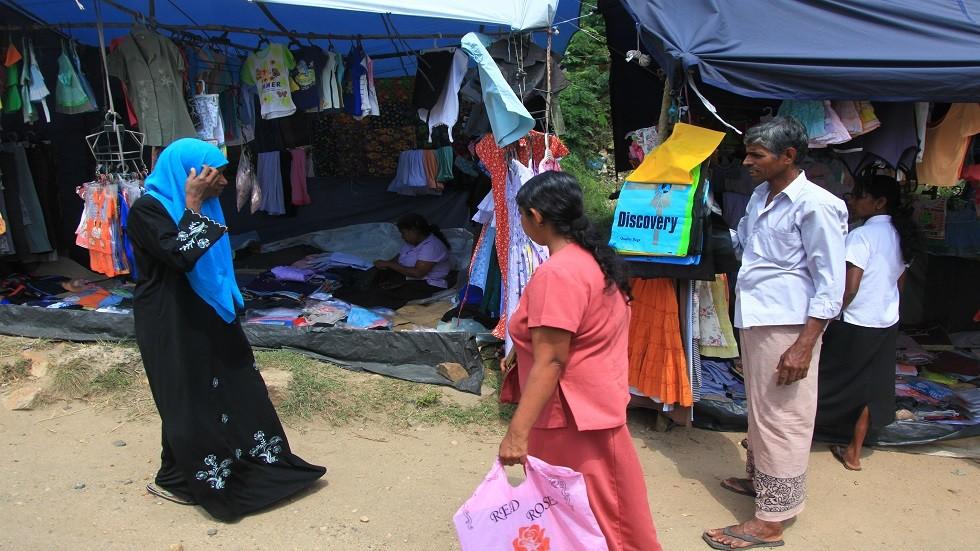 صورة ارشيفية لسكان محليين في سريلانكا