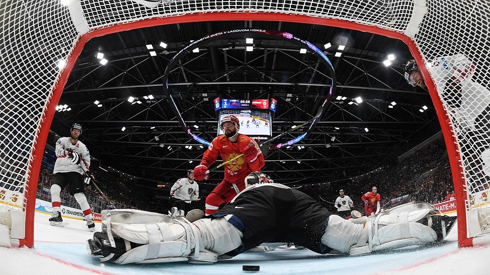 روسيا تكتسح النمسا بخماسية نظيفة في بطولة العالم لهوكي الجليد (فيديو)