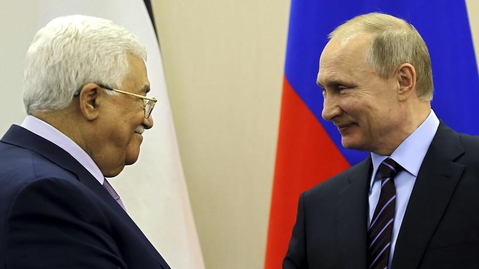 الرئيس الروسي فلاديمير بوتين يلتقي نظيره الفلسطيني محمود عباس في سوتشي في مايو 2017