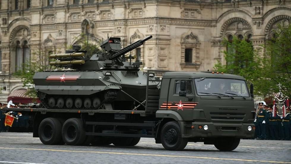 العرض العسكري بمدينة تولا الروسية كشف عن روبوتات مقاتلة