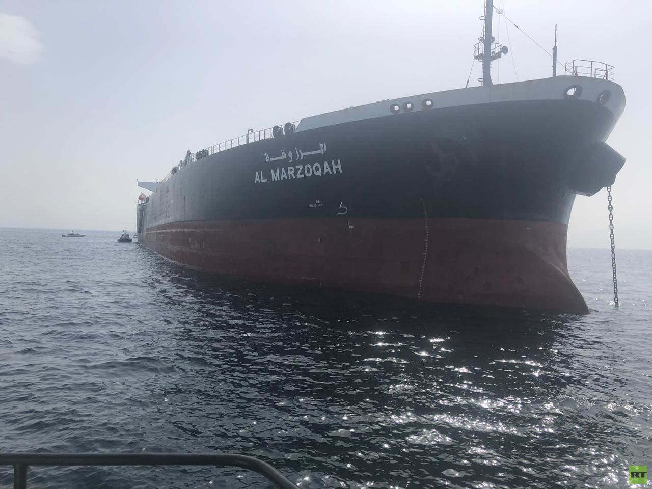 شاهد.. أول صورة وفيديو لإحدى السفن السعودية التي تعرضت لهجوم