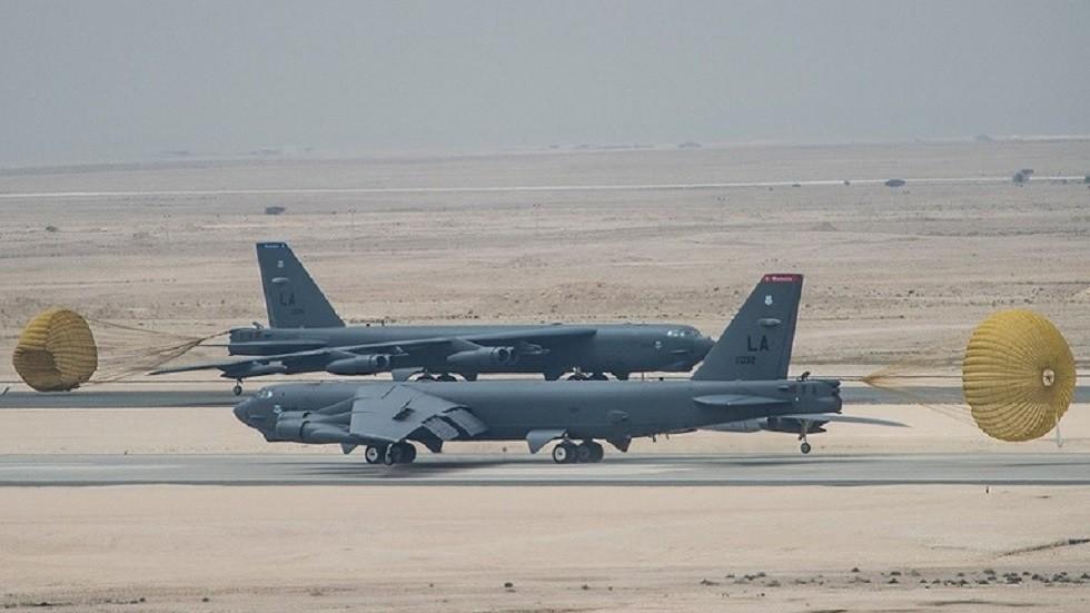 القوات البحرية الأمريكية تلاعب الصقور الإيرانيين