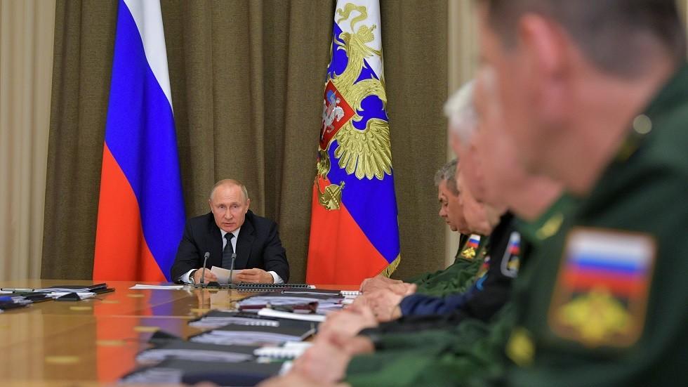 بوتين يدعو للإسراع بتطوير وسائل الحماية من الأسلحة الفرط صوتية