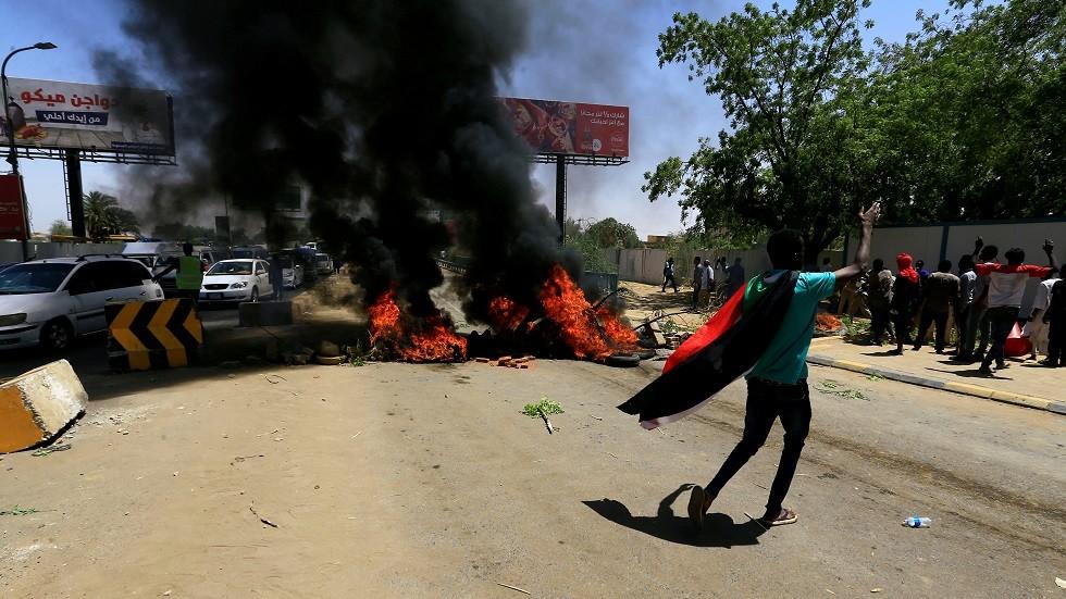 عنف في ساحة الاعتصام بالسودان
