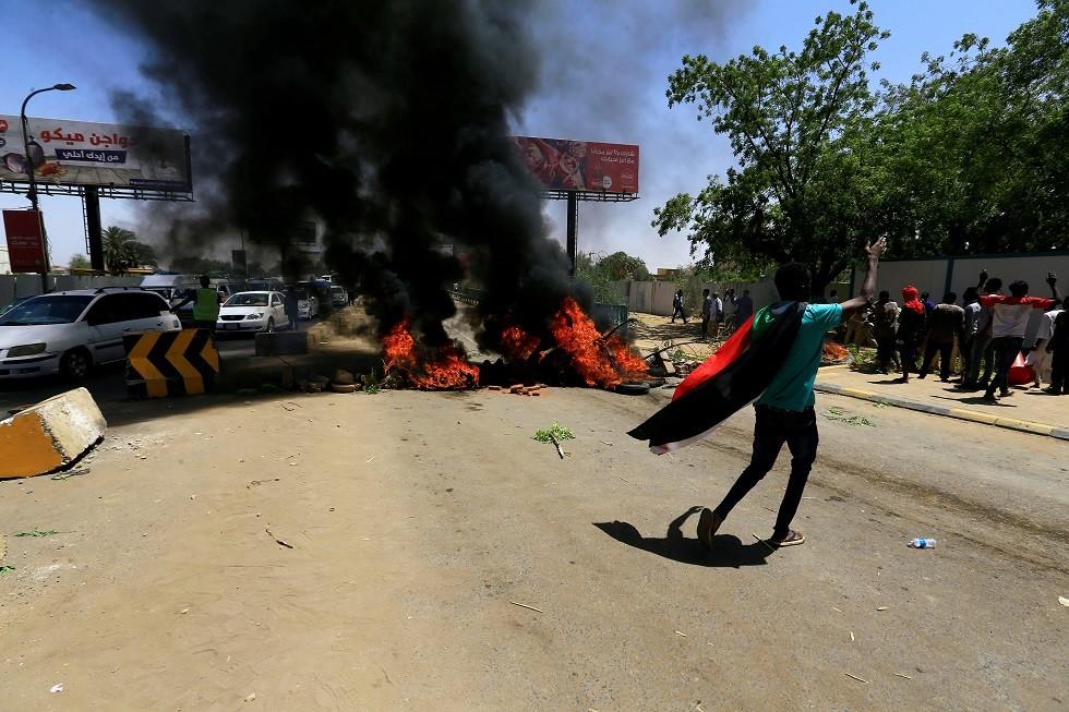 السودان.. السفارة الأمريكية في الخرطوم تدين العنف وتحمل المجلس العسكري المسؤولية