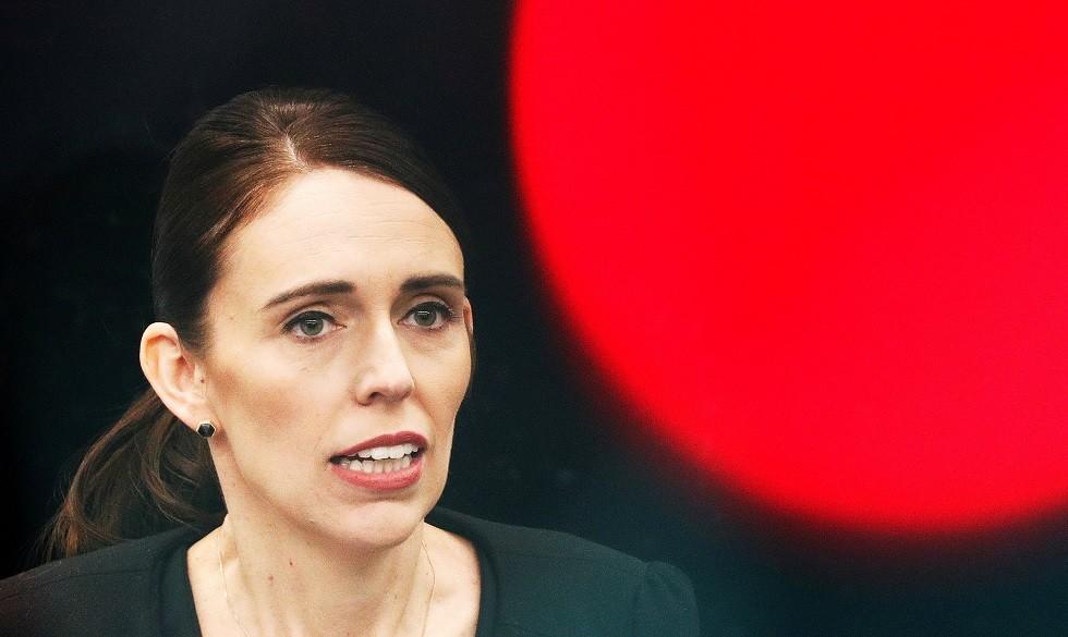 رئيسة وزراء نيوزيلندا: لا أفهم سياسة الولايات المتحدة إزاء حيازة الأسلحة