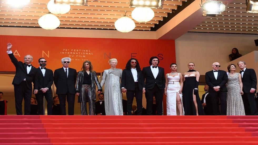 المخرج جارموش وفريقه في افتتاح مهرجان