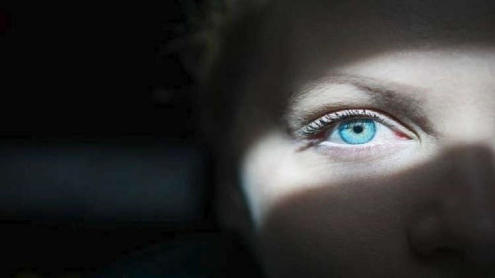 كيف تبدو العين عند إصابتها بورم سرطاني؟
