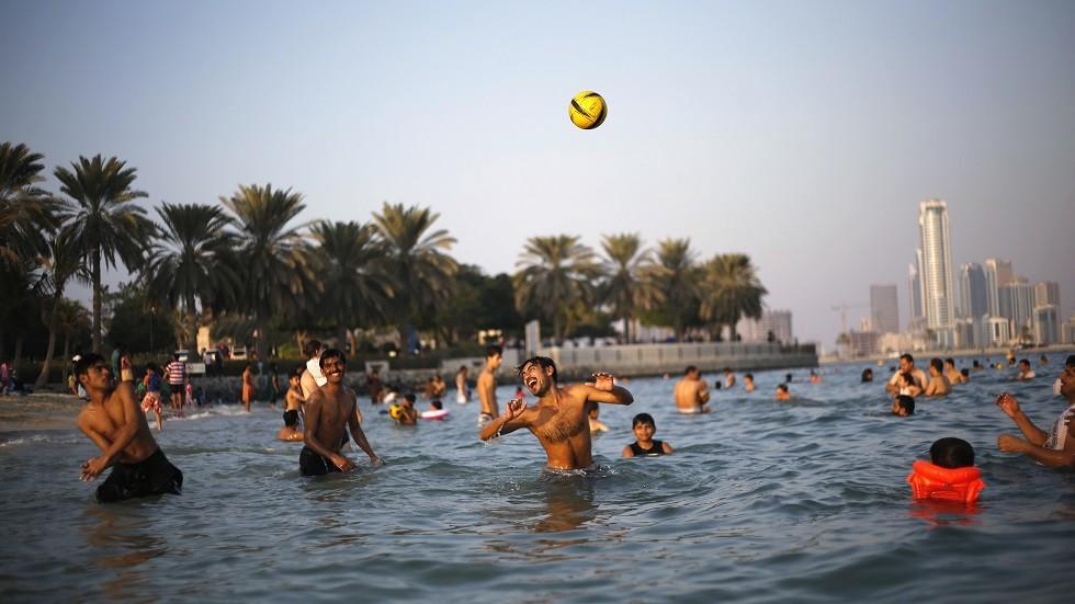 شواطئ دبي في الإمارات