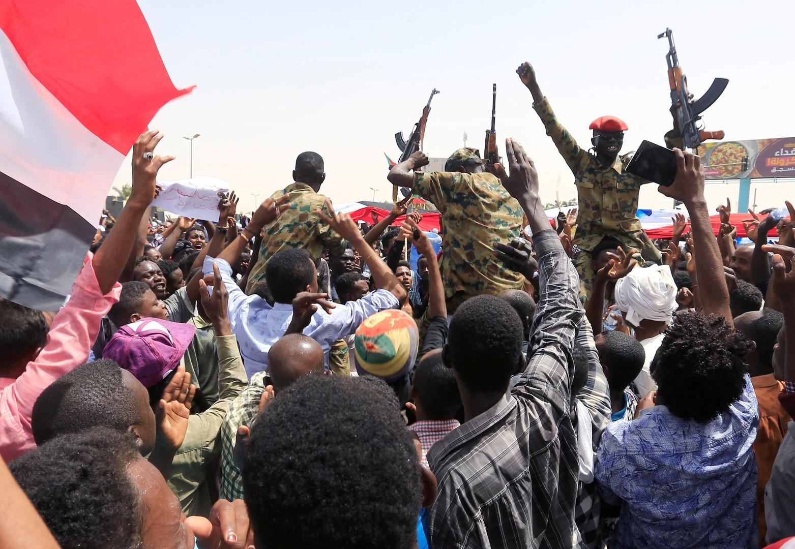 المحتجون في السودان - أرشيف