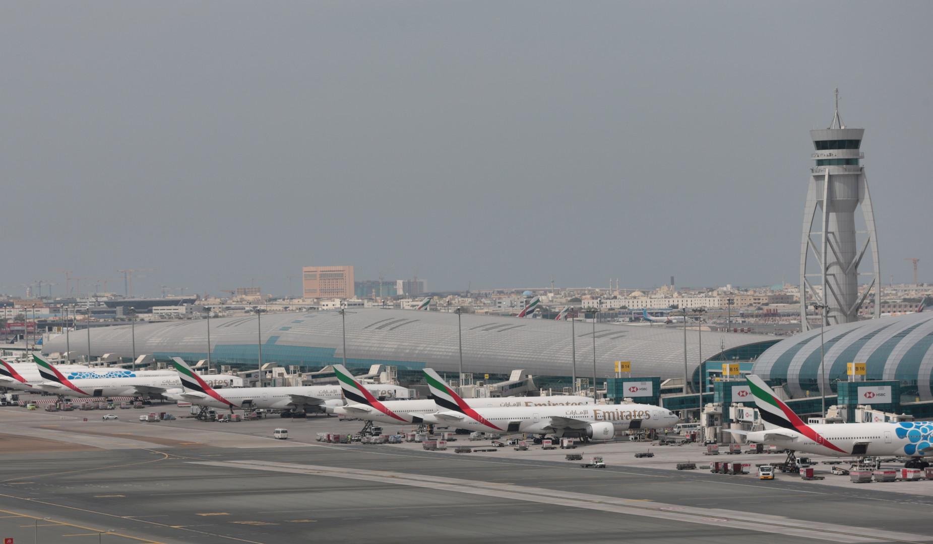 مقتل 4 أشخاص بسقوط طائرة في الإمارات -
