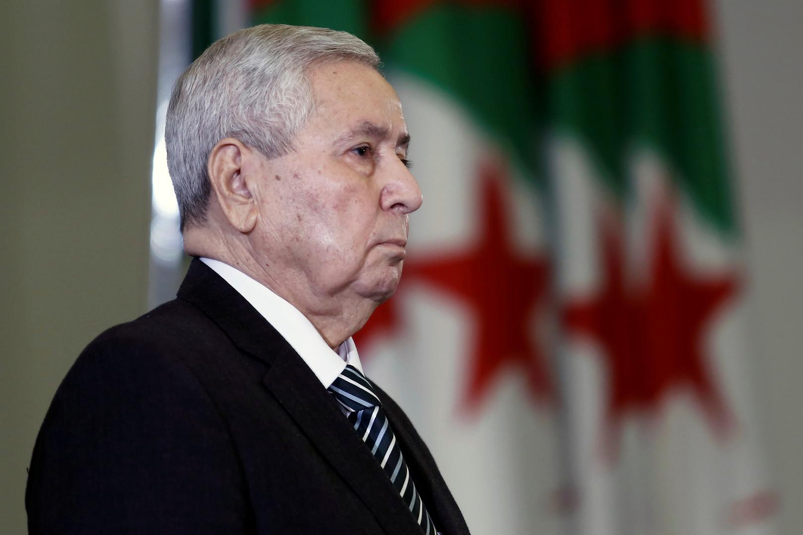 الرئيس الجزائري المؤقت يقيل النائب العام ويعين خلفا له