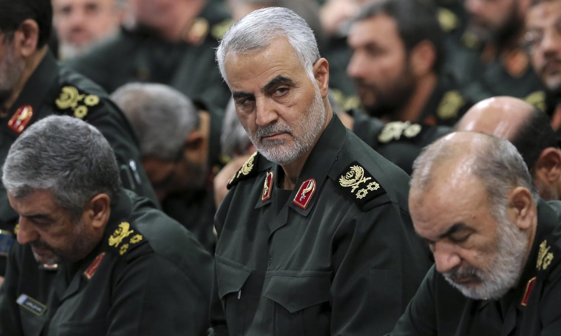 صحيفة بريطانية: سليماني أمر حلفاء إيران الإقليميين بالاستعداد للحرب