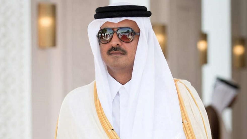 أمير قطر يفاجئ مرتادي مترو الدوحة في افتتاح ملعب الوكرة المونديالي (صور + فيديو)