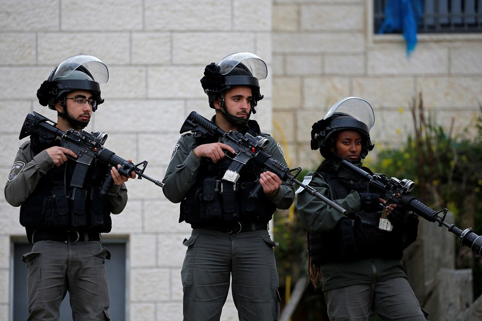 سبق له أن رفض مصافحة نتنياهو.. إسرائيل تعتقل نائبا هولنديا بالقدس