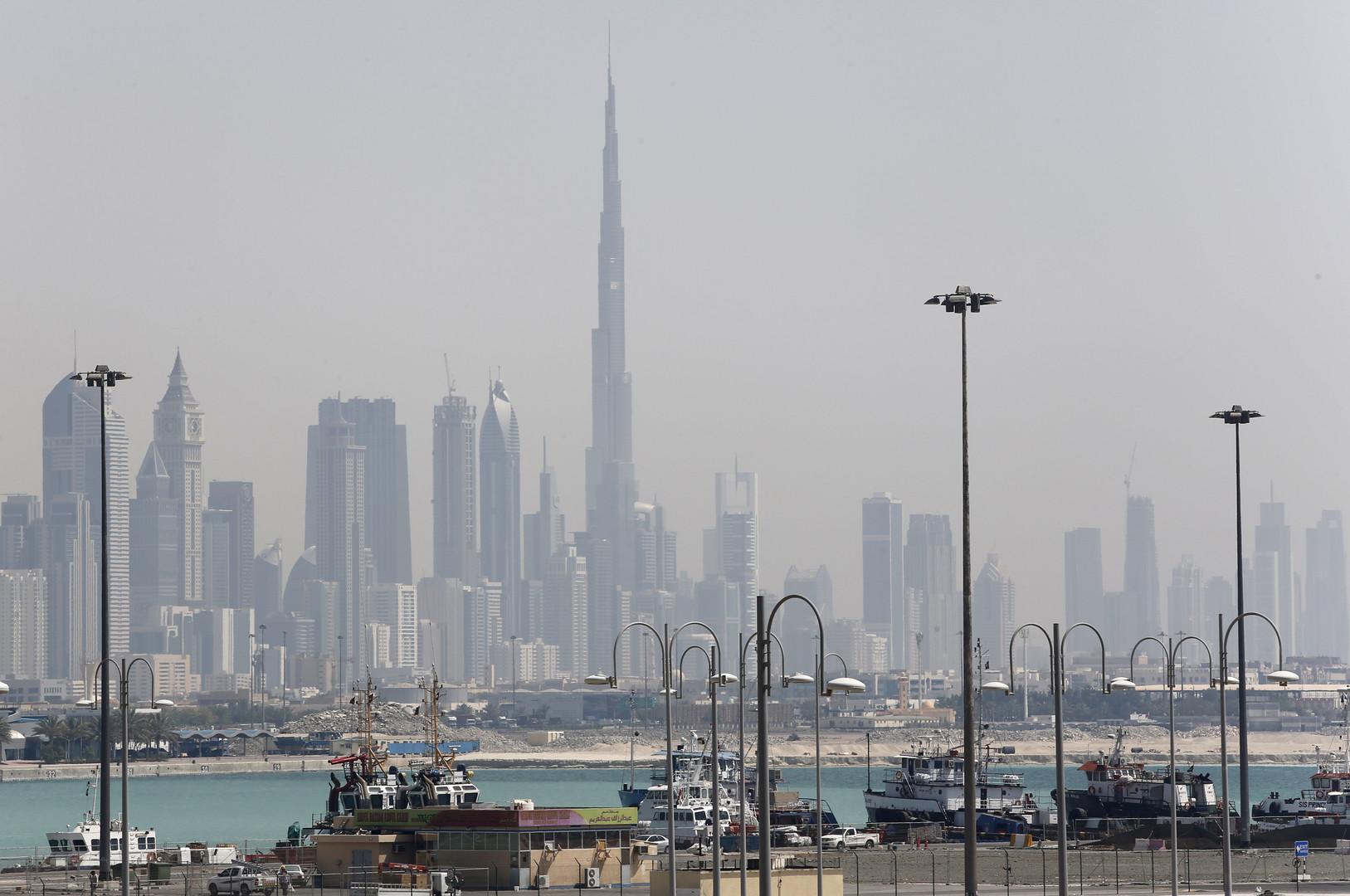 رويترز تنقل عن مصادر محلية وغربية ما حدث في الإمارات بعد استهداف ناقلات النفط