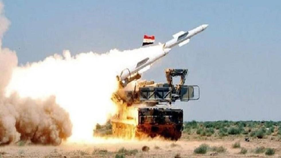 متحدث عسكري سوري: الدفاعات الجوية تتصدى لأهداف معادية  قادمة من القنيطرة