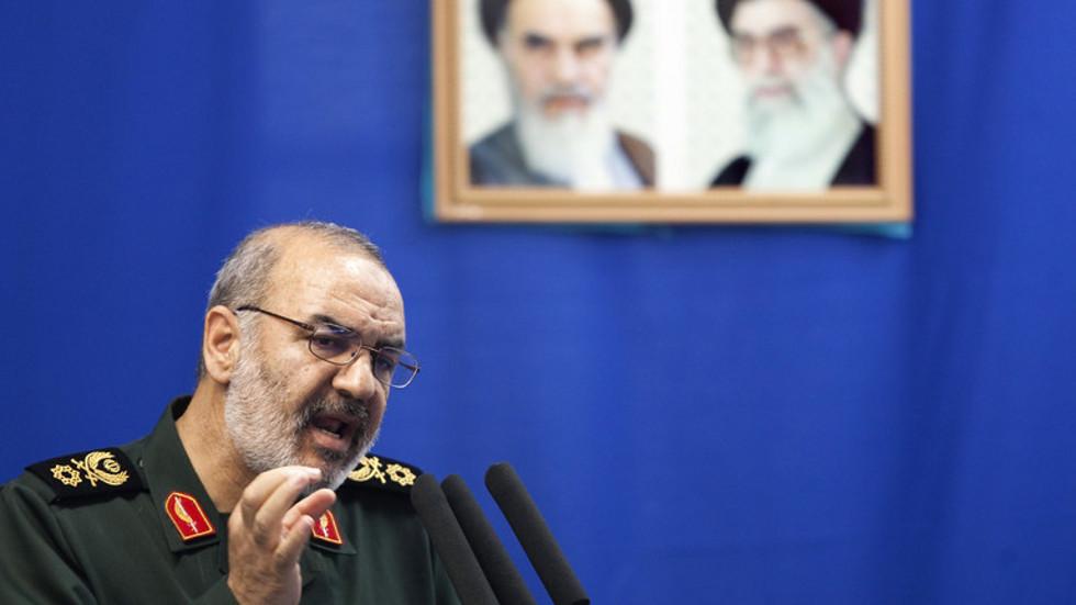 قائد للحرس الثوري الإيراني اللواء حسين سلامي