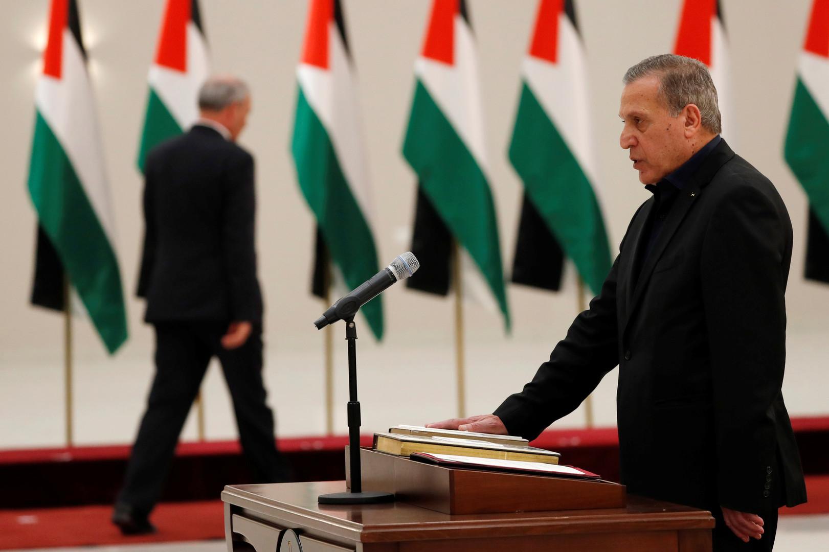 نائب رئيس الوزراء وزير الإعلام في الحكومة الفلسطينية نبيل أبو ردينة