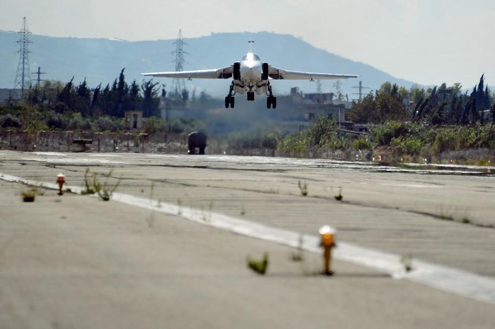 قاعدة حميميم الروسية على الساحل السوري
